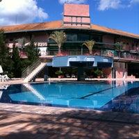 Photo taken at Oscar Inn Eco Resort by Matheus F. on 3/31/2012