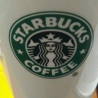 Снимок сделан в Starbucks пользователем Matheus G. 3/3/2012