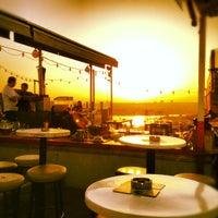 8/21/2012 tarihinde Cersahinziyaretçi tarafından Balkon Bar'de çekilen fotoğraf
