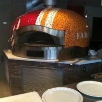 Photo prise au Famoso Neapolitan Pizzeria par William M. le7/7/2012