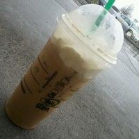 Foto diambil di Starbucks oleh Evan M. pada 5/1/2012