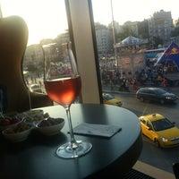 Das Foto wurde bei The Marmara Taksim von Gunes R. am 6/13/2012 aufgenommen