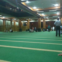Photo taken at Masjid Agung AL-BARKAH Bekasi ® by Haris R. on 5/9/2012