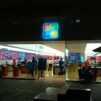 Photo taken at Microsoft Store by Steven G. on 8/22/2012
