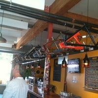 Das Foto wurde bei Hopworks BikeBar von Susan B. am 8/11/2012 aufgenommen