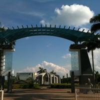 Photo taken at Friendship Park (Taman Sahabat) (馬中公園) by Gary S. on 5/27/2012