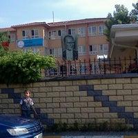 Photo taken at Ataturk İlkogretim Okulu by Trkr G. on 5/21/2012