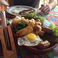 Photo taken at Restaurante Fogão Mineiro by Rodrigo D. on 8/15/2012