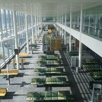 2/26/2012 tarihinde Chris Y.ziyaretçi tarafından Londra Heathrow Havalimanı (LHR)'de çekilen fotoğraf