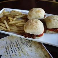 8/12/2012にJohn D.がDiMille's Italian Restaurantで撮った写真