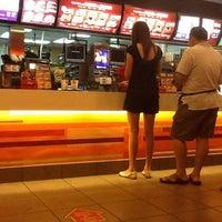Foto diambil di McDonald's / McCafé oleh Shearn S. pada 3/11/2012