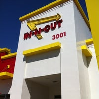 Photo taken at In-N-Out Burger by Pat H. on 3/9/2012
