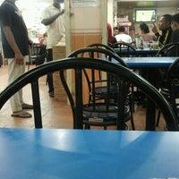 Photo taken at Restoran Mufah Maju by Dila on 8/18/2012
