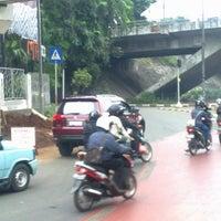 Photo taken at Halte TransJakarta Cawang Otista by Heru S. on 5/31/2012