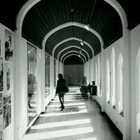 Photo prise au Musée de la Photographie par Albin W. le4/14/2012