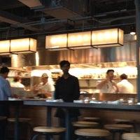 Photo prise au Foragers Table par Anne Mai B. le4/20/2012