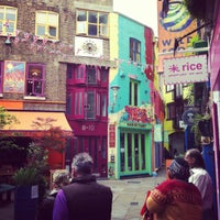 Photo taken at Neal's Yard Salad Bar by Jeremy W. on 6/4/2012