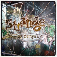 Foto tomada en Strange Craft Beer Company  por Colorado Card el 7/26/2012
