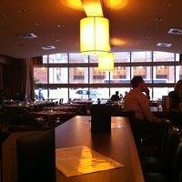 Foto diambil di One North Kitchen & Bar oleh J D. pada 3/7/2012