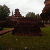 Photo taken at Amorn Sukhothai Hotel by Bee Rocket By PHETCHABUN on 6/27/2012