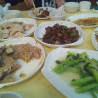 Photo taken at Restaurant Sheng Xing by Chang H. on 7/27/2012