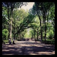 Foto scattata a Literary Walk da Keith V. il 5/18/2012