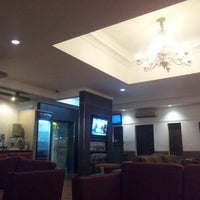 Photo taken at Garuda Indonesia Executive Lounge by Aeran I. on 7/26/2012