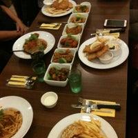 Photo prise au Swensen's par Shina C. le6/14/2012