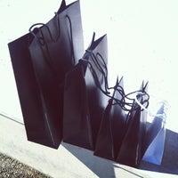 Foto scattata a The Mall Luxury Outlet da Patrick T. il 7/29/2012