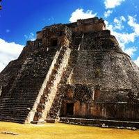 Foto tomada en Zona Arqueológica de Uxmal por Mau A. el 3/14/2012