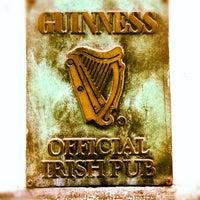 Photo taken at Dubliners Irish Pub by jabier u. on 5/3/2012