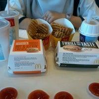 Photo taken at McDonald's / McCafé by shahz r. on 8/26/2012