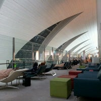Photo taken at Emirates Business Class Lounge by Ahmad Nazaril A. on 6/24/2012