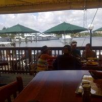 9/3/2012 tarihinde Eric M.ziyaretçi tarafından Coconuts Bahama Grill'de çekilen fotoğraf