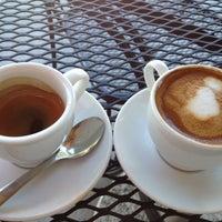Снимок сделан в The Conservatory for Coffee, Tea & Cocoa пользователем Chuck W. 6/28/2012