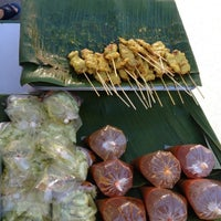 Photo taken at ตลาดเช้าหน้าวัดไร่ขิง by ❥ Mynameistarn :. on 7/22/2012