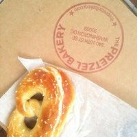 Foto tomada en The Pretzel Bakery por Brian F. el 7/22/2012
