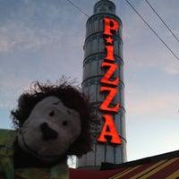 Foto diambil di Prince Pizzeria oleh Cecil E. pada 4/3/2012