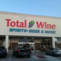 Photo prise au Total Wine & More par Corrine P. le6/2/2012