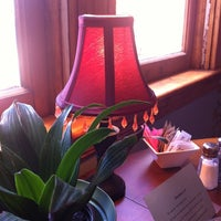 Foto tomada en The Warming Hut por Edwin K. el 6/17/2012