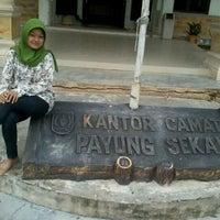 Photo taken at Kantor camat payung sekaki by alan h. on 2/25/2012