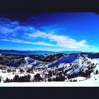 Photo taken at Alpine Meadows Lodge by Féline L. on 2/5/2012