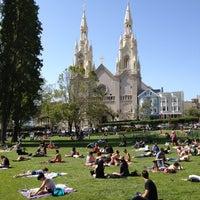 Foto scattata a Washington Square Park da Dylan C. il 4/28/2012