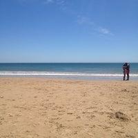 Foto tirada no(a) Praia dos Gémeos por Inês N. em 6/13/2012