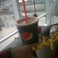Foto tomada en Burger King por Nico G. el 9/7/2012