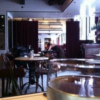 รูปภาพถ่ายที่ Gaslight โดย Kate D. เมื่อ 9/2/2012