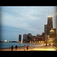 รูปภาพถ่ายที่ Chicago Lakefront Trail โดย Kaitlin W. เมื่อ 7/23/2012