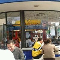 Photo taken at Burger King by Mariana G. on 2/3/2012
