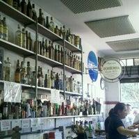 Foto tirada no(a) Bar do Luiz Nozoie por Maria C. em 8/4/2012