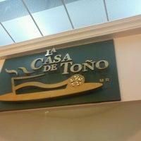Foto tirada no(a) La Casa de Toño por Ara D. em 3/30/2012